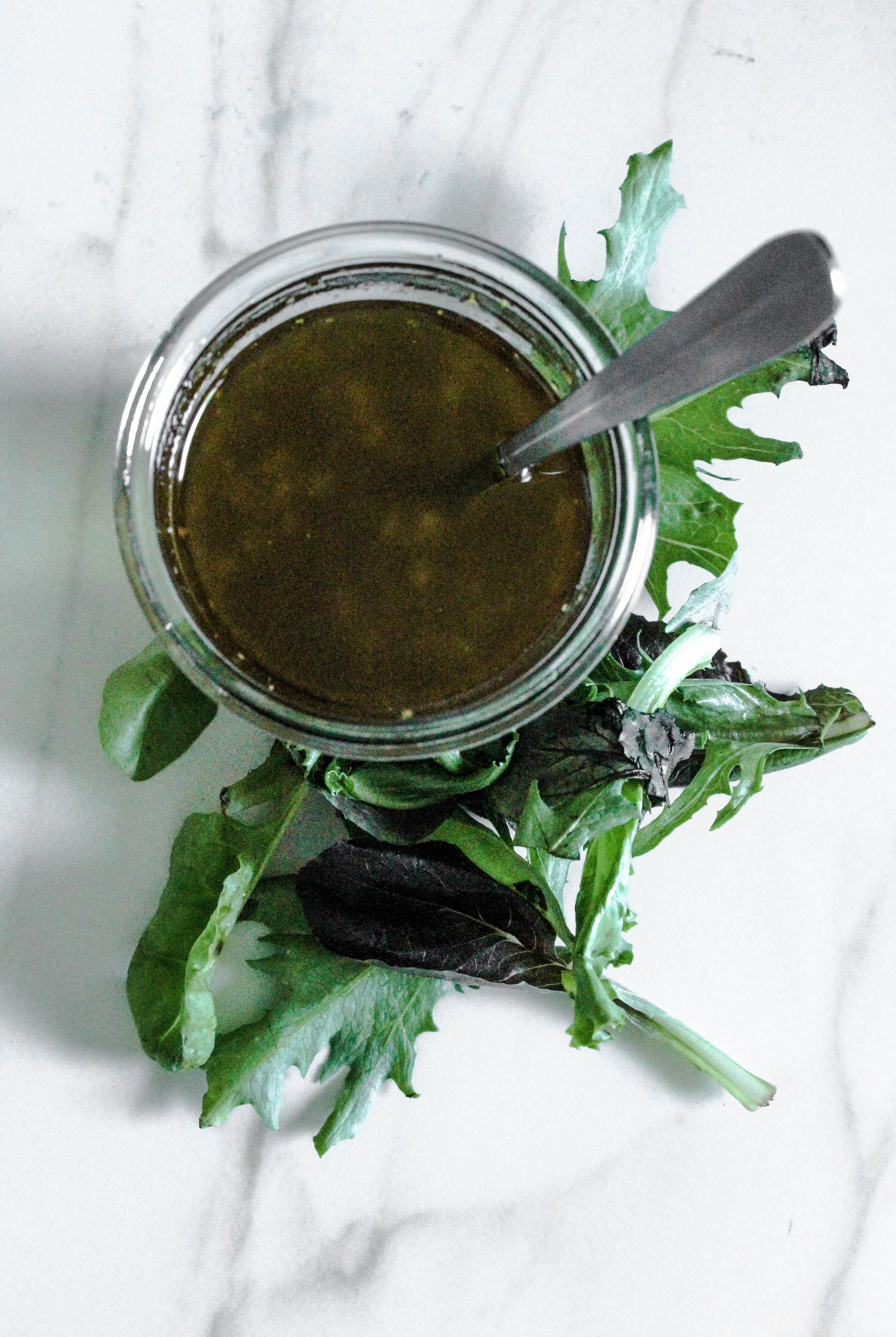 how to make balsamic vinaigrette dressing